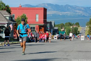 Grand Slammer Dennis Ahern running up the Boulevard at the Leadville 100.