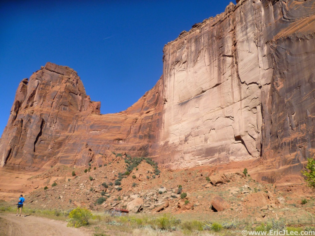 Towering walls of Canyon de Chelly, headed back down canyon.